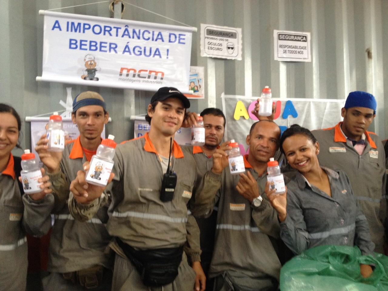 Ação 'A importância de beber água' na Obra Vard Promar